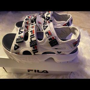 Fila Shoes Sport Womens White Slides Sandals Size 78  Sport Womens White Slides Sandals Size 78